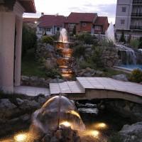 Aqua Mramor - Dvorisne Fontane U Kamenu