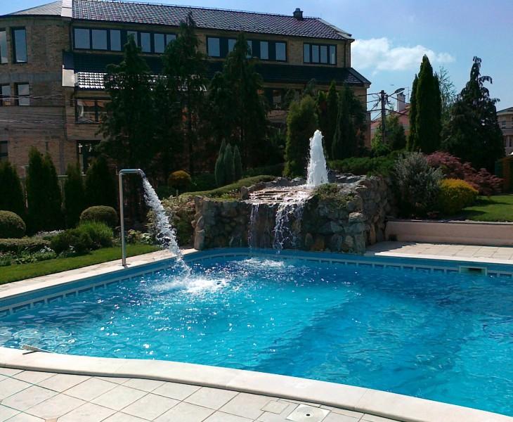 Aqua Mramor - Fontana i bazen u privatnoj kuci
