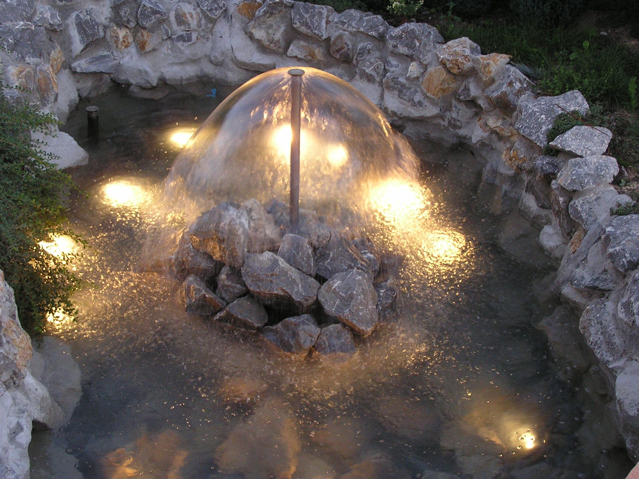 Aqua Mramor - Fontana u kamenu