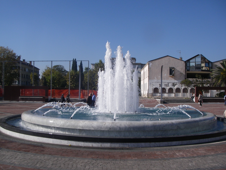 Aqua Mramor - Fontana na gradskom trgu u Podgorici
